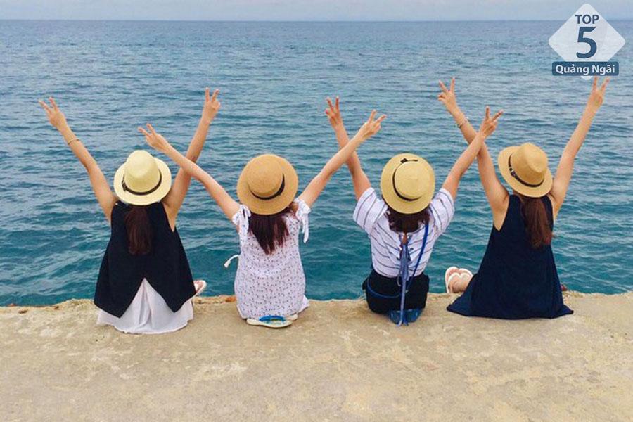 Bãi biển Lý Sơn_Quảng Ngãi
