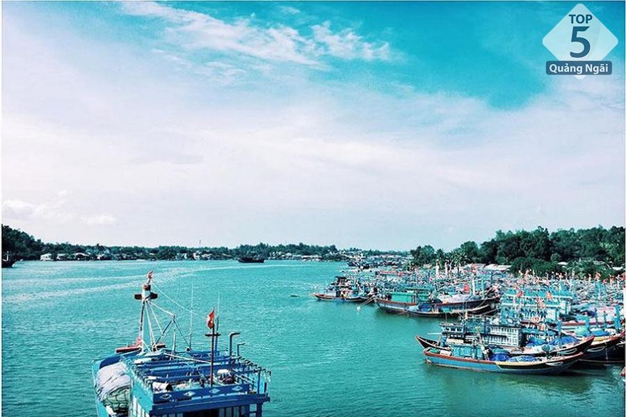 Bãi biển Dung Quất