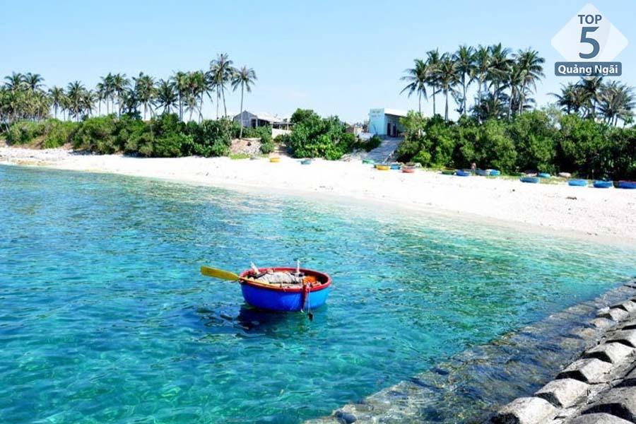 Khám phá trọn vẻ đẹp Quảng Ngãi nếu du khách đi vào khoảng tháng 4 đến tháng 9